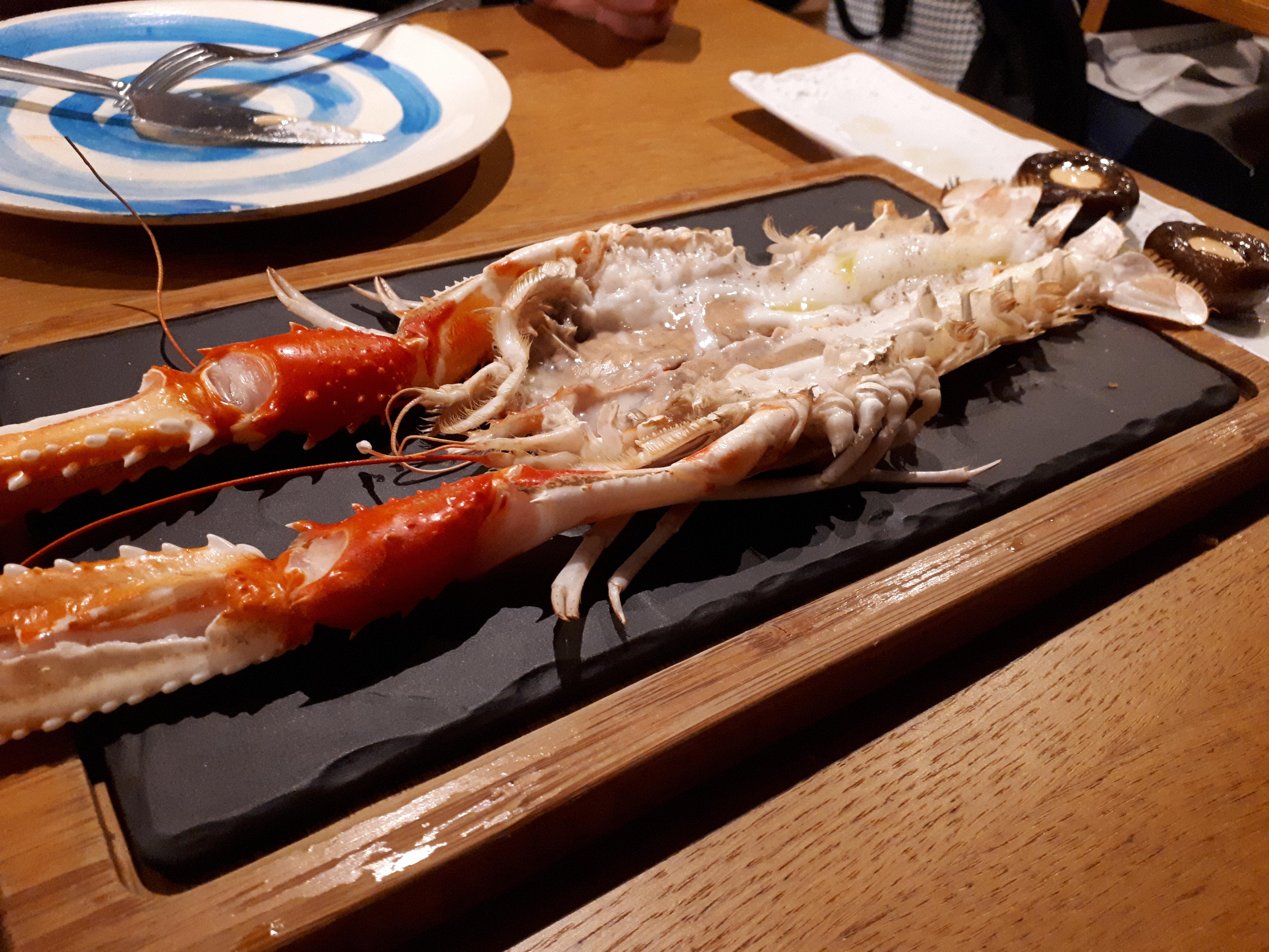 lana_loves_sea_food.jpg